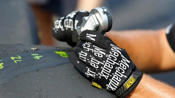 How to Wash Mechanix Gloves and Take Care of Them