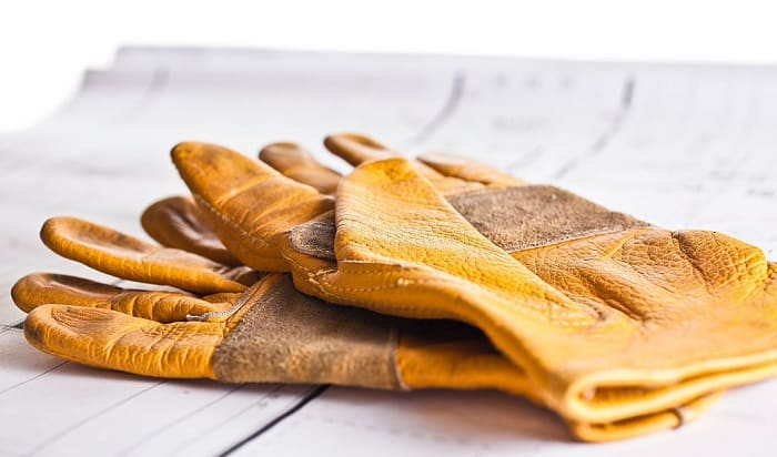 cleaning-leather-work-gloves